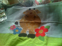 vaquinha linda (Dipano Ateli) Tags: de galinha pano patchwork prato cozinha jogos tecido aplicao apliqu dipano