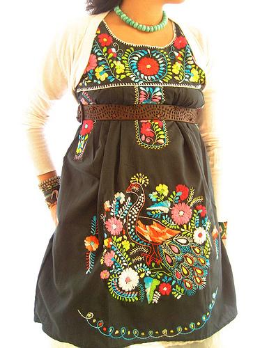 vestidos de amor real. vestidos de fiesta para; amor real vestidos. Pavo Real bordado