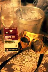 kit ressaca de odonto (Carolina Petrus) Tags: ice gelo drink formatura festa máscara odontologia ressaca