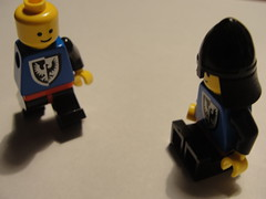 Lego men (Delicious☺Photos) Tags: blue black yellow standing walking sitting lego arm helmet warrior armless less