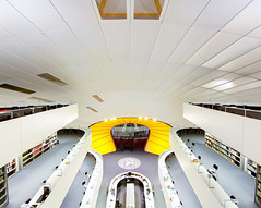 Philologische Bibliothek - FU Berlin [2] (yushimoto_02 [christian]) Tags: white berlin yellow architecture arquitectura university library hauptstadt bibliothek normanfoster architektur universitt architectura universitaet philologischebibliothek abigfave philologicallibrary philological unusualviewsperspectives