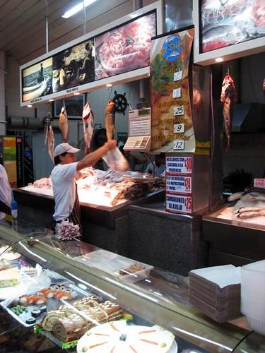 Fishmonger, El Delfin, in Barracas