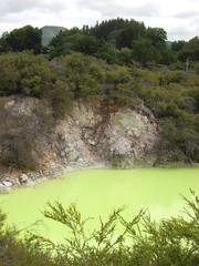 devil's bath (kara brugman) Tags: travel newzealand green northisland aotearoa waiotapu devilsbath taupovolcaniczone sulpur waiotaputhermalwonderland