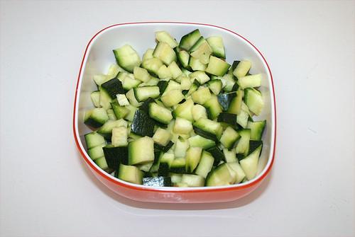 15 - Zucchini würfeln