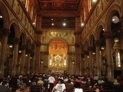 Por dentro da Basílica de Nazaré