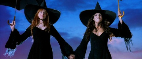 practicalmagic_witches_roof2