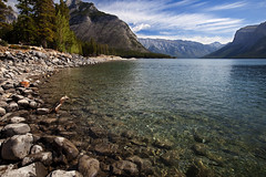 Lake Minnewanka, Banff National Park (Claire Chao) Tags: summer mountain canada rockies nationalpark alberta banff banffnationalpark lakeminnewanka canadianrockies canoneos5dmarkii