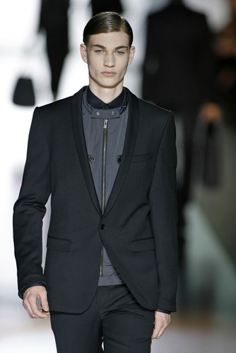 Johannes Linder316_FW09_Berlin_JOOP(first VIEW)