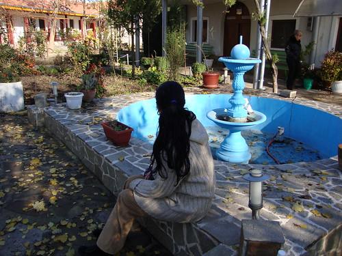 в манастирския двор