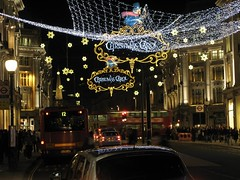 Christmas Lights on Oxford Street, London (-Reji) Tags: street november people bus london car shopping advent peace joy busy chirstmas oxfordstreet goodwill chirstmasdecorations g9 chirstmaslights canong9 goldstaraward november09 christmas2009