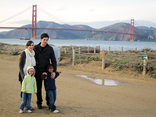 20100102kelsey and michael and the girls at gg bridge0980