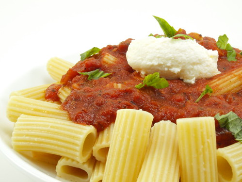 Pasta with Zinfandel Tomato Sauce and Ricotta