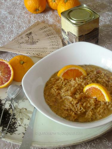 Riso al te nero di Ceylon con germogli di soia e arance rosse
