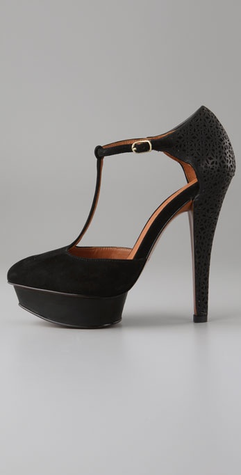 elizjames paris pump3