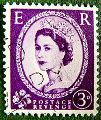 old England english stamp E R wilding magenta lilac 3p 3D purple violet queen QEII elisabeth royal pence penny elizabeth england uk great britain united kingdom postage revenue porto timbre bollo sello marke briefmarke Windsor pre decimal predecimal stamp (stampolina) Tags: greatbritain portrait england woman postes krone reina elizabeth purple unitedkingdom stamps retrato magenta lila queen stamp collection lilac porto penny windsor crown royalmail regina timbre reine ritratto commonwealth elisabeth postage bilder franco qeii queenelizabeth stempel revenue violett marke selo marka pence rainha se