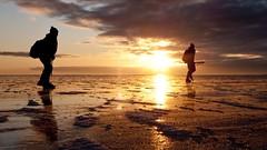 Sun is setting (Boe78) Tags: ice is skating nordic distance vnern skridskor lngfrdsskridskor