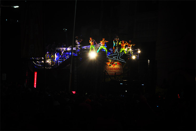 soteropoli.com fotos fotografia salvador bahia brasil verao carnaval trio eletrico axe 2010 by tunisio (13)