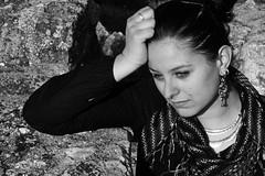 Waiting... (Mara Bueno) Tags: blancoynegro girl waiting chica piedras mariabueno