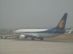 VT-JBB - Jet Airways Boeing 737-800 Aircraft @ Delhi International airport (orclimber) Tags: india plane airplane airport aircraft delhi jet international boeing airways 737800 vtjbb