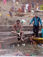 Caught You Buddy ;-) (amiableguyforyou) Tags: india men up river underwear varanasi bathing dhoti oldmen ganges banaras benaras suriya uttarpradesh ritualbath hindus panche bathingghats ritualbathing langoti dhotar langota