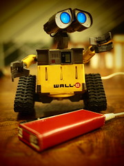 RED iPod nano 5 generation with Wall-E (5)