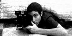 Tal vez escondido te coja mejor. (Mr.Kastiyo Photography) Tags: polaroid te cama vez tal escondido mejor instantanea coja