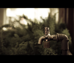 142.365 - Unlock the Faucet (Chalres Wonderland*) Tags: light water 35mm canon mood bokeh lock creative faucet cinematic unlock canonef35mmf14lusm 60d