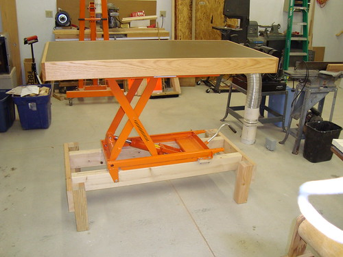 adjustable height workbench
