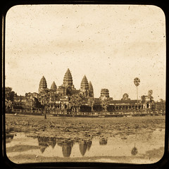 Angkor Wat central shrine - Ttv