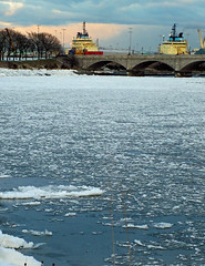 Aberdeen, River Dee Ice (w11buc) Tags: winter ice canon river boats scotland aberdeen riverdee 5photosaday grampain