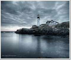 Back to the Headlight (moe chen) Tags: ocean lighthouse clouds portland rocks long exposure elizabeth williams fort maine sigma moe cape headlight 1020mm phl chen abigfave vertorama moe76