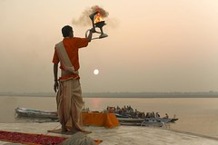 Morning Aarti on the Banks of River Ganges at Banaras (Tilak Haria) Tags: india sunrise river boats dawn varanasi hinduism kashi prayers bharat ganga ganges pradesh banaras aarti uttar pratibimbsangli morningaarti