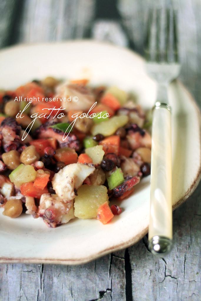insalata di polpo con ceci, roveja e verdurine