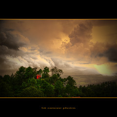 mañana puede llover (bit ramone) Tags: nepal himalayas colorphotoaward flickrdiamond pentaxk20 bitramone artofimages bestcapturesaoi magicunicornverybest magicunicornmasterpiece elitegalleryaoi peregrino27newvision
