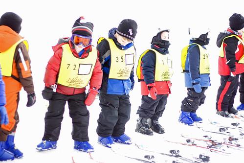 kids on skis