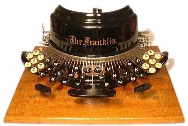 typewriter_21