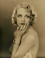 Carole Lombard (Photo by Edwin Bower Hesser) (de sata1) Tags: photo blonde actress edwin bower actrice carolelombard cleareyes hesser yeuxclairs edwinbowerhesser