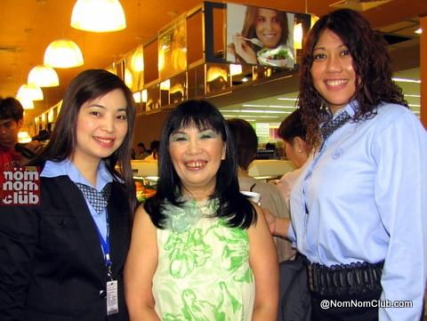 Center: Millie Dizon (VP for Marketing-SM Retail); Left: Leia Lee - AVP Fresh Merchandising - SM SUpermarket