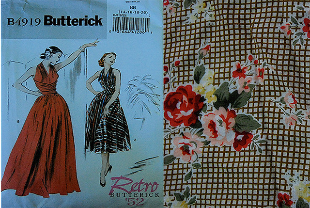 B4919 retro butterick