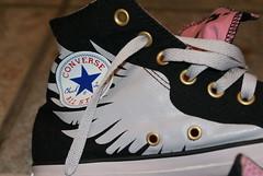 ~ my heavenly  angelic  allstars ~ (^i^heavensdarkangel2) Tags: macro closeup shoes colorado footwear converse hightops heavenly allstars pagosasprings angelwings heavensdarkangel sonydslra200 heavensfavshoes conversewings angelicconverseshoes desbahallison heavensdarkangel2