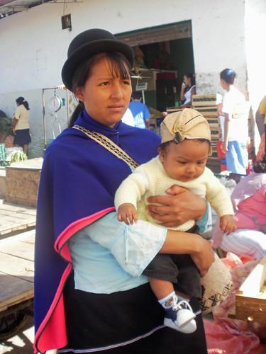 Esta es Marta Lucia con su bebe Isabel de Silvia, Colombia