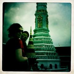 Alexis and Steph at Grand Palace (thirtyoneteeth) Tags: thailand bangkok grandpalace iphone flybutter sgoralnick hipstamatic
