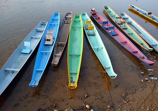 Laos 1 335.Vang vieng.Barcas