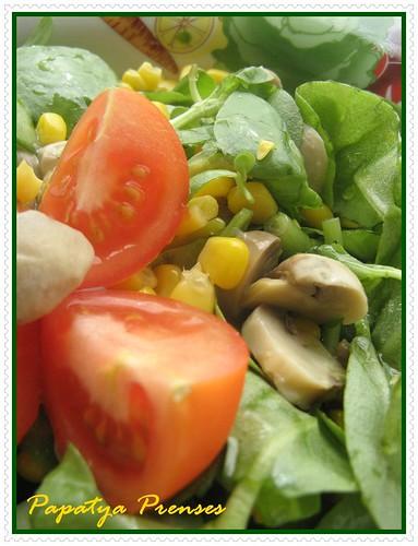 mantarlı semiz otu salatası