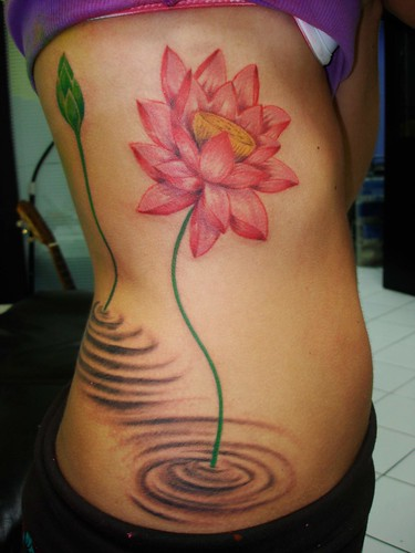flor de lotus tattoo free hand