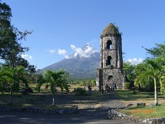 Cagsawa Ruins (graciajbuban) Tags: bicol cagsawaruins albay mayonvolcano cagsawachurch