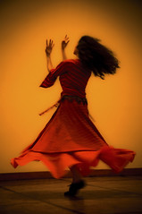 (Wanderer Eye) Tags: red paris colour classic girl turn persian dance movement iranian 2010 puteaux whirl
