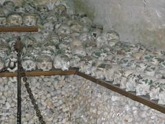 100414_Hallstatt 096 (Tauralbus) Tags: friedhof cemetery skull austria österreich oberösterreich weltkulturerbe hallstatt upperaustria schädel beinhaus totenkult totenschädel unescoweltkulturerbe