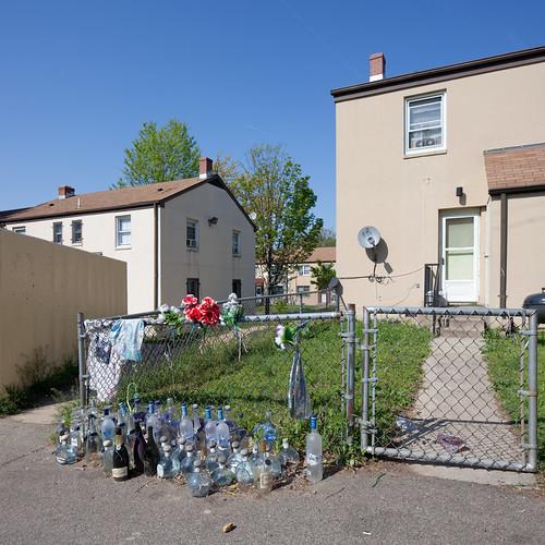 Memorial, Anacostia Public Housing