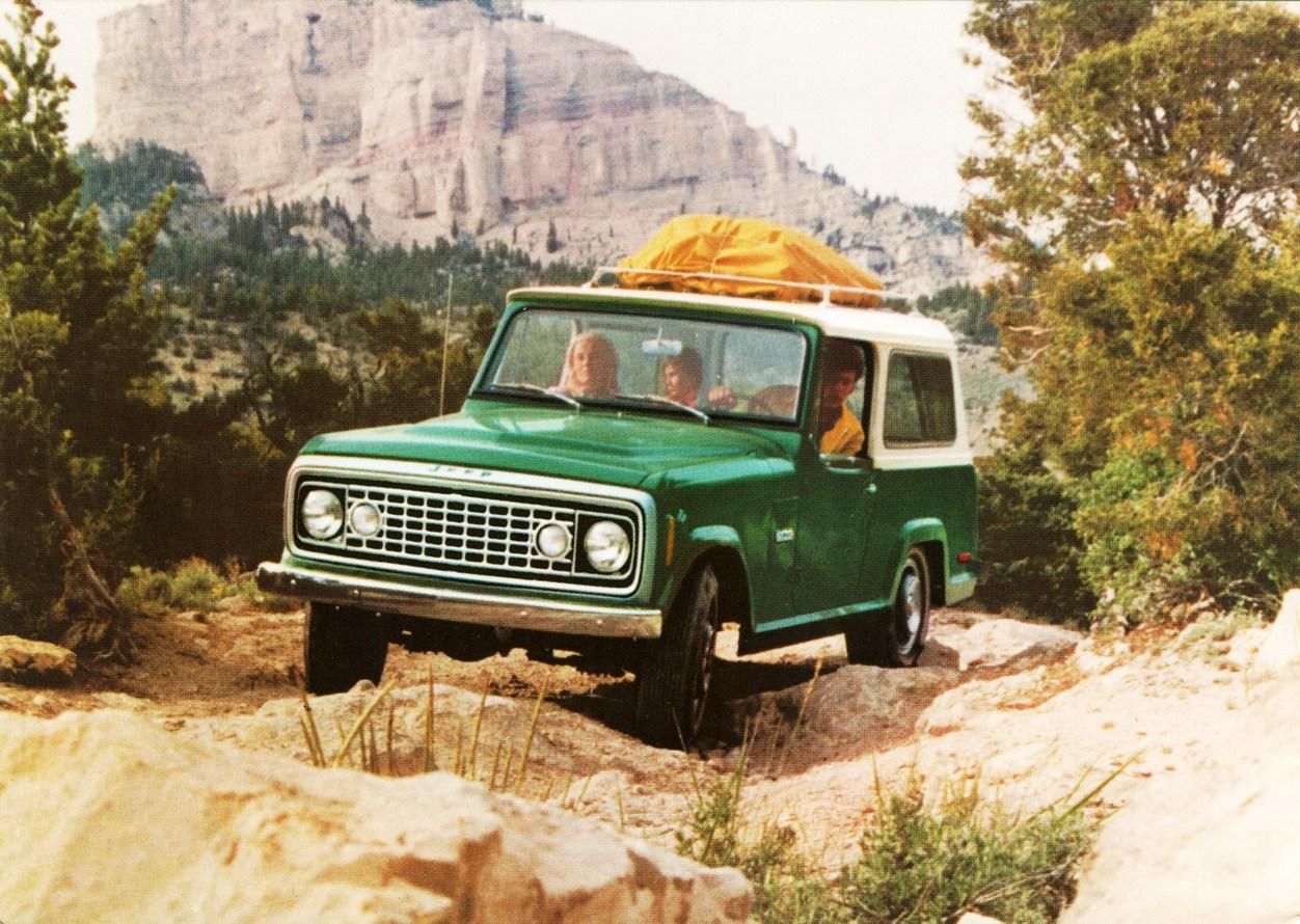 1973 Jeep Commando. go back